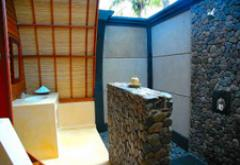 Manta Bungalow open bathroom hotel Gili Trawangan